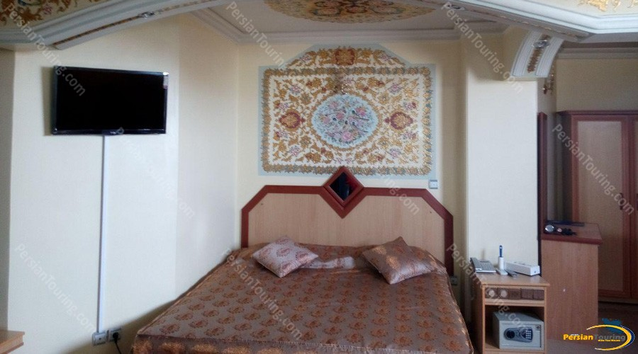 safavi-hotel-isfahan-double-room