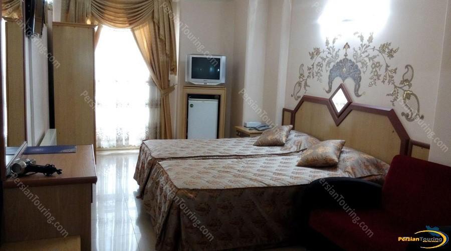 safavi-hotel-isfahan-twin-room
