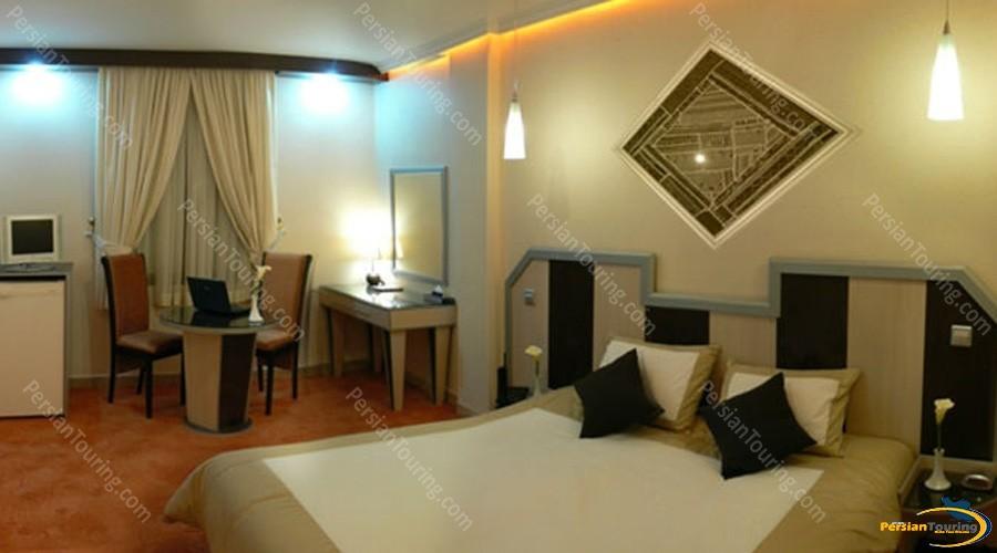 safir-hotel-isfahan-double-room-1