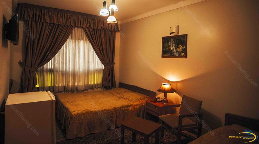 sasan-hotel-shiraz-triple-room-2