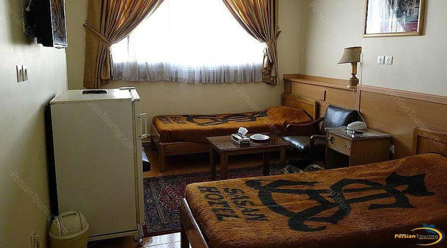 sasan-hotel-shiraz-twin-room-1