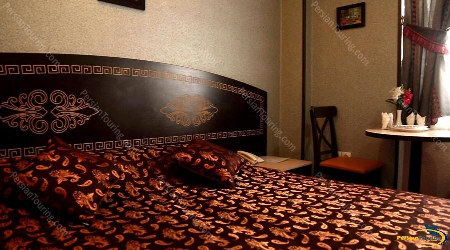 sepahan-hotel-isfahan-double-room-2
