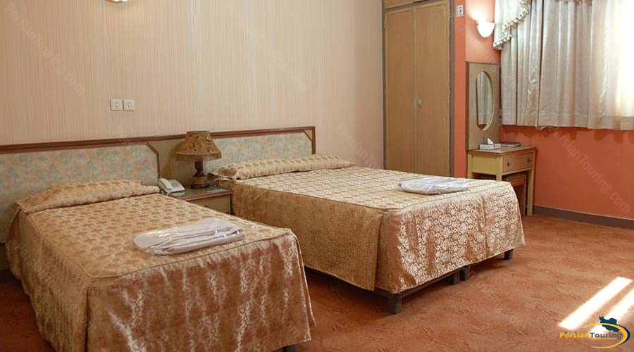 talar-hotel-shiraz-triple-room-1