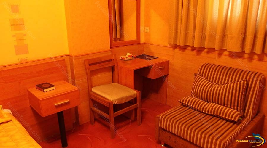 talar-hotel-shiraz-twin-room-2