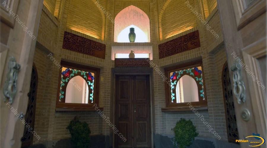 toloo-khorshid-hotel-isfahan-lobby