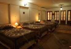 toloo-khorshid-hotel-isfahan-quadruple-room