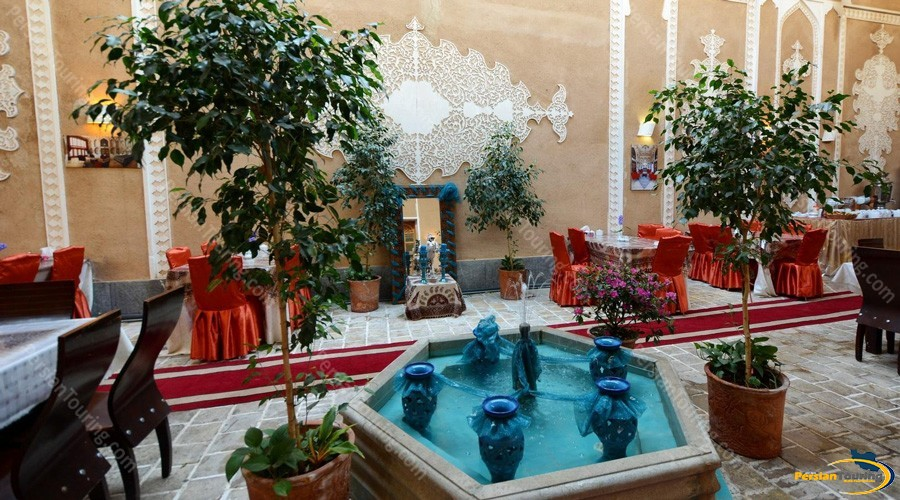 traditional-hotel-isfahan-1