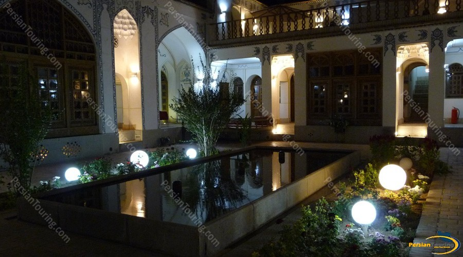 traditional-hotel-isfahan-8