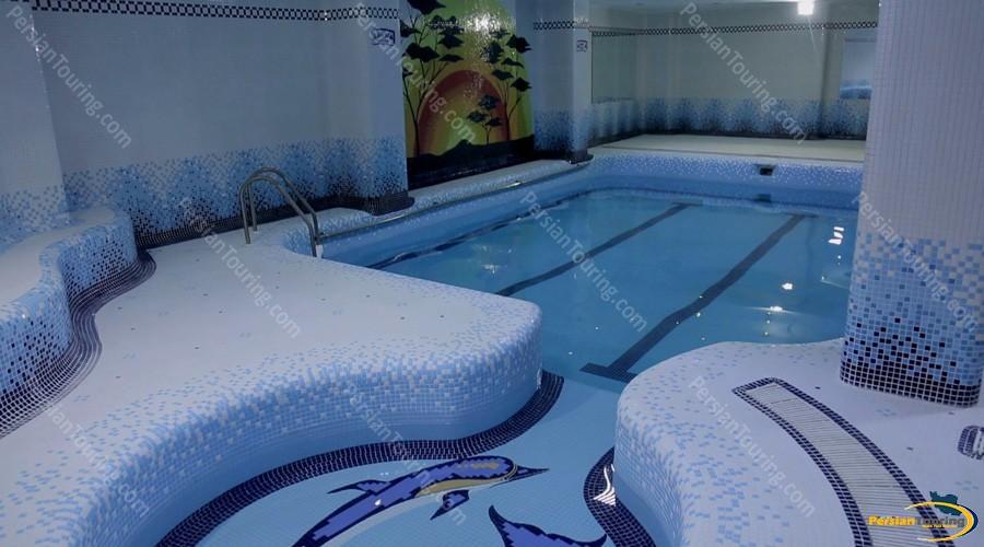 venus-hotel-isfahan-pool