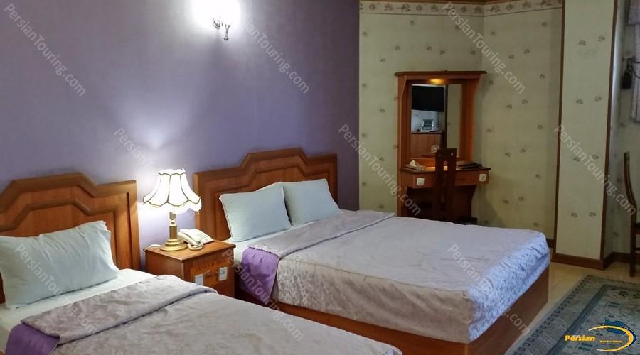 venus-hotel-isfahan-triple-room-1
