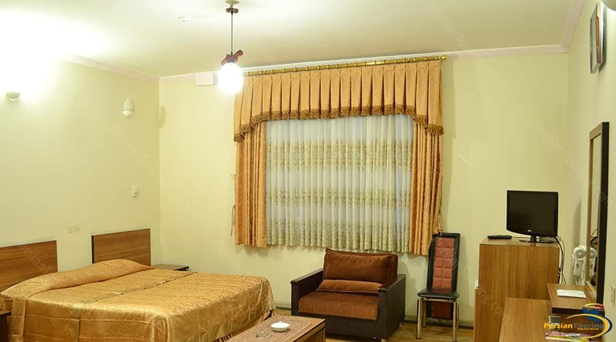zanbagh-hotel-yazd-double-room-1