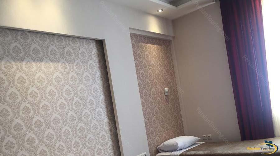 zanbagh-hotel-yazd-single-room-1