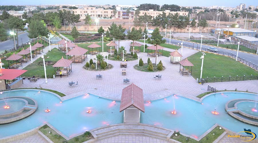 zanbagh-hotel-yazd-yard-1