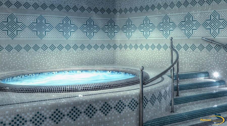zandiyeh-hotel-shiraz-jacuzzi