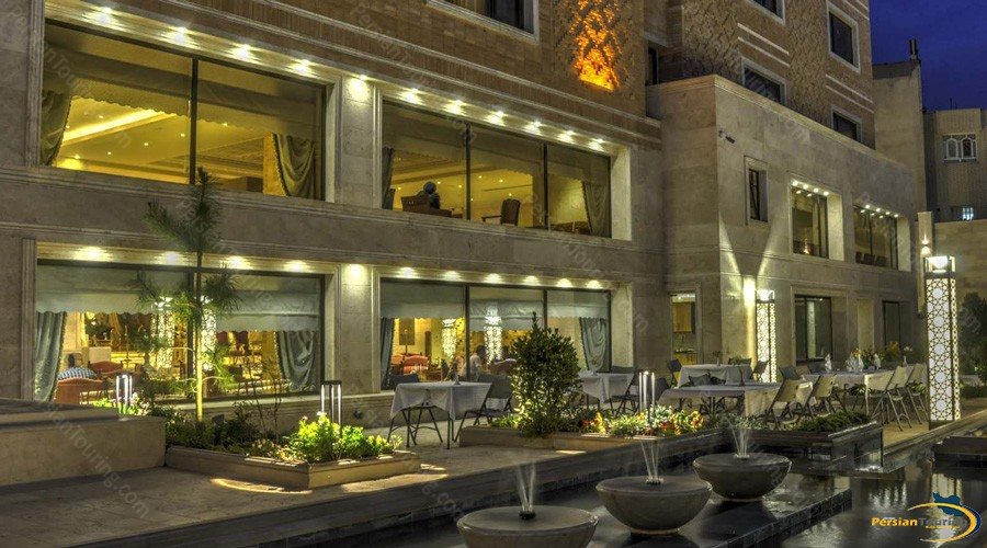 zandiyeh-hotel-shiraz-restaurant-2