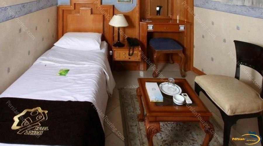 zohreh-hotel-isfahan-single-room