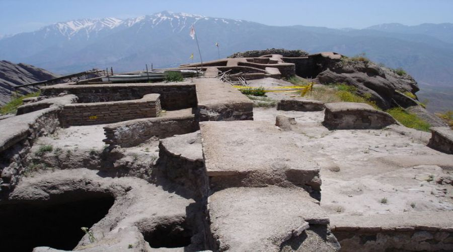 Alamut Castle (1)
