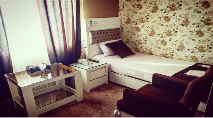 Iranian Hotel Qazvin (4)