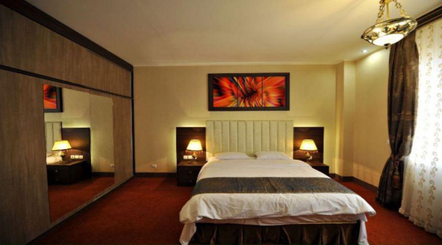 Nikan Hotel Bafq (5)