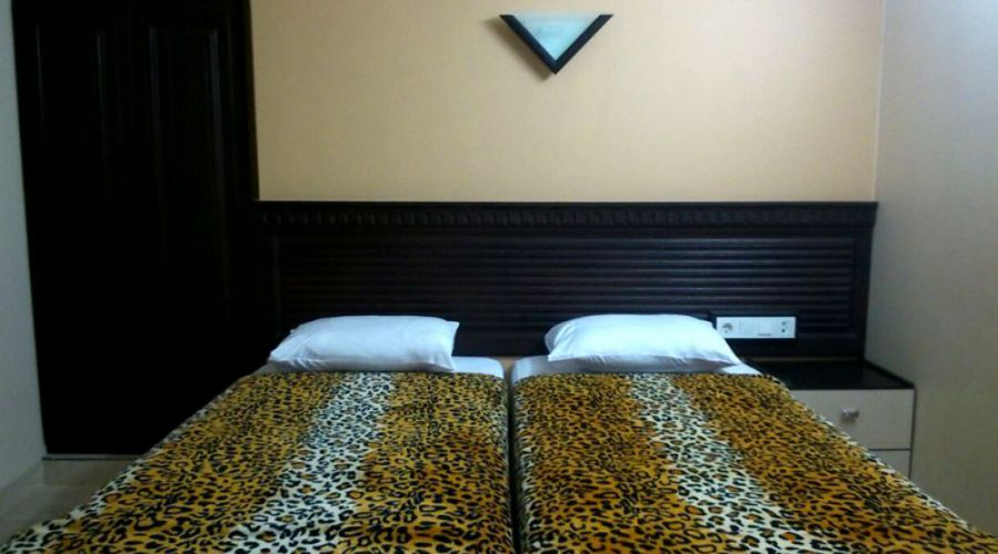 Tashrifat Hotel Qom