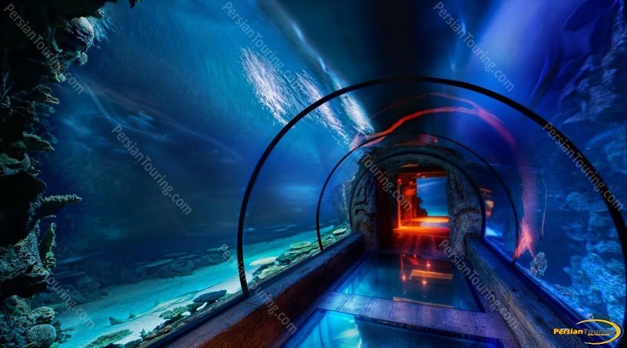 isfahan-aquarium-tunnel-2