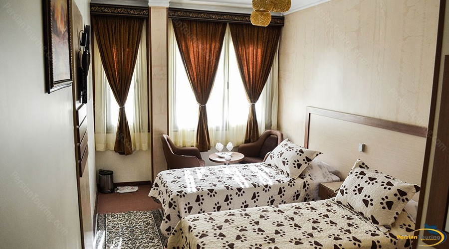 pamchal-hotel-tehran-twin-room-2