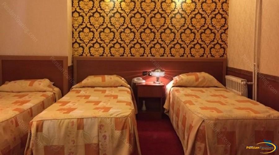 shiraz-hotel-tehran-triple-room-1