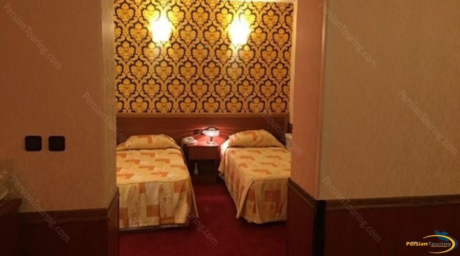 shiraz-hotel-tehran-twin-room-3