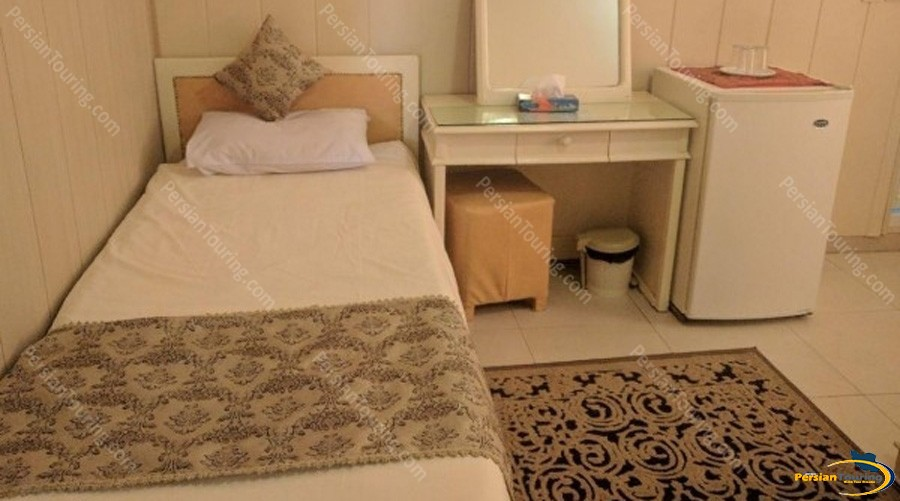 Karoon-Hotel-Isfahan-single-room