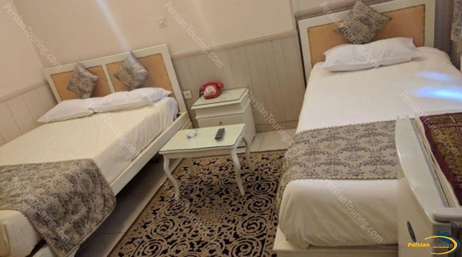 Karoon-Hotel-Isfahan-triple-room-1