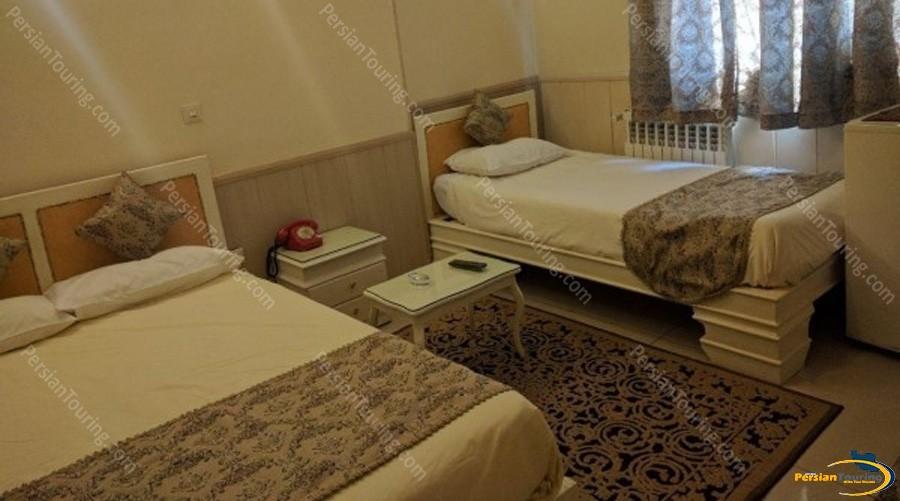 Karoon-Hotel-Isfahan-triple-room-3