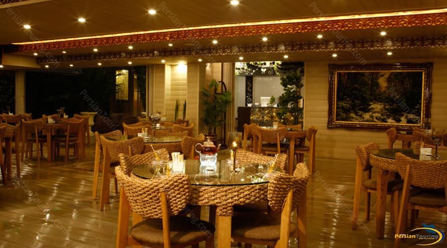 almas-2-hotel-mashhad-cafe