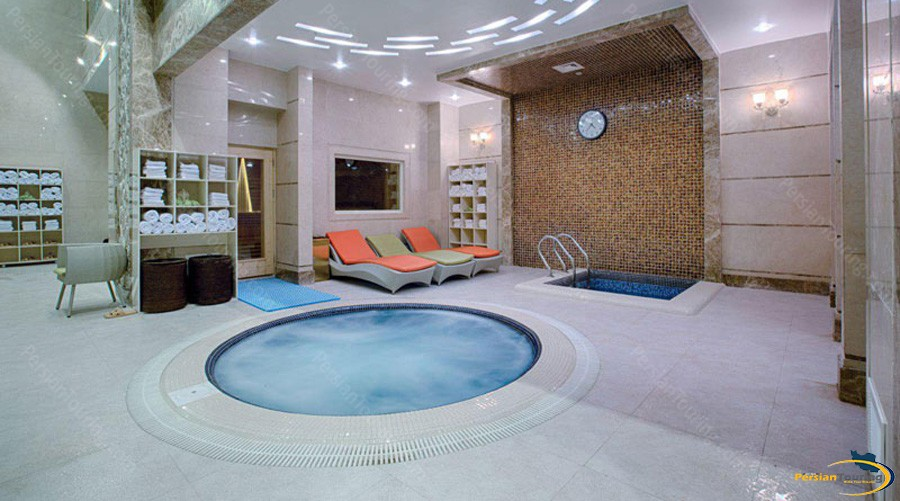 almas-2-hotel-mashhad-jaccuzi