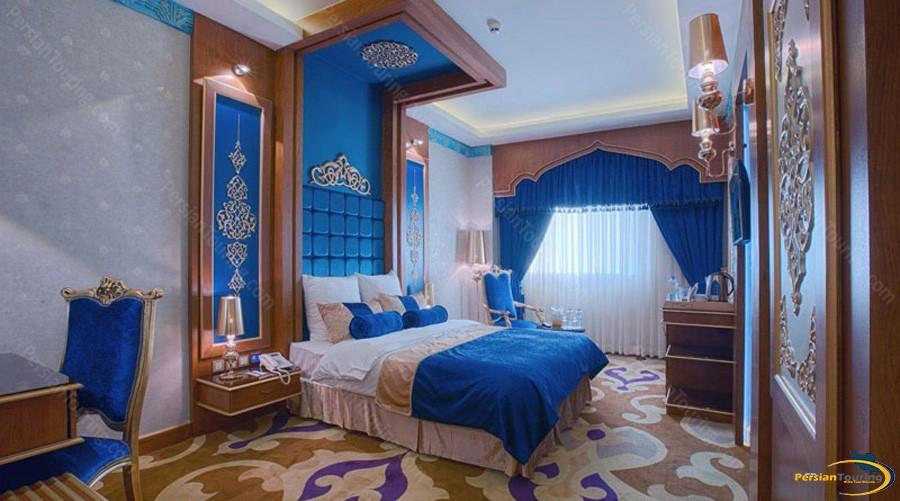 almas-2-hotel-mashhad-nasak-room-saudi
