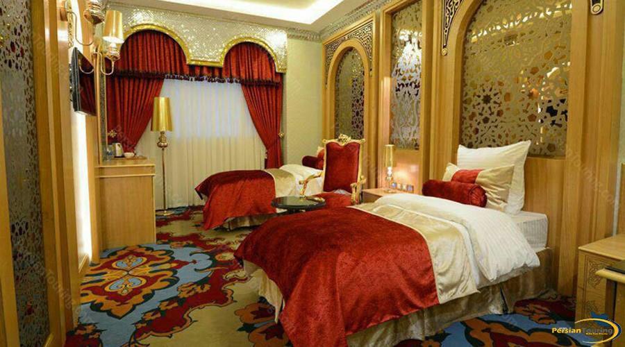 almas-2-hotel-mashhad-safavid-twin-room