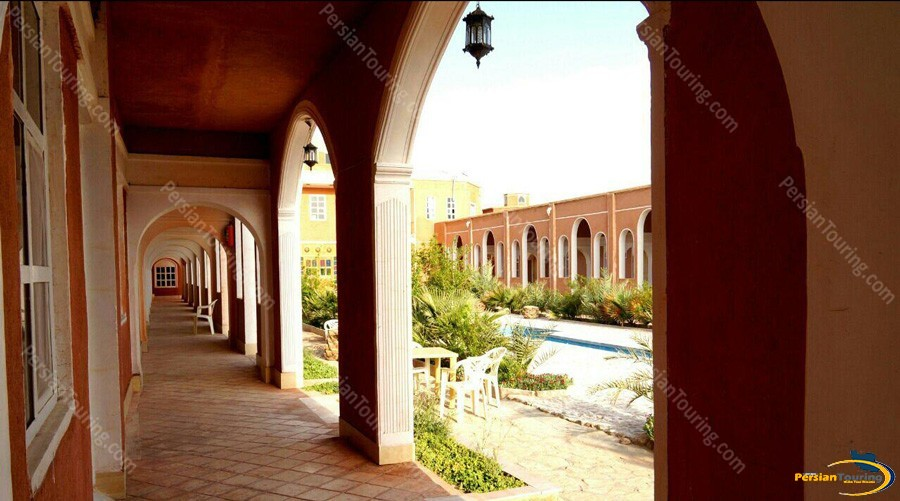 bali-desert-hotel-isfahan-10