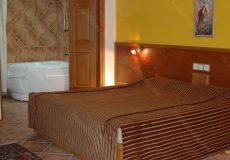 chehel-panjereh-hotel-isfahan-double-room-3