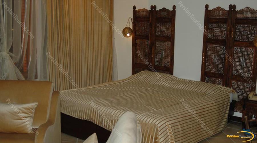 chehel-panjereh-hotel-isfahan-double room 3