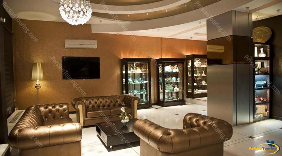 espadana-hotel-isfahan-lobby-3