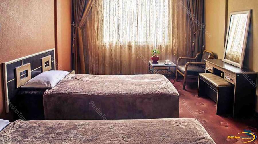 espadana-hotel-isfahan-twin-room-3