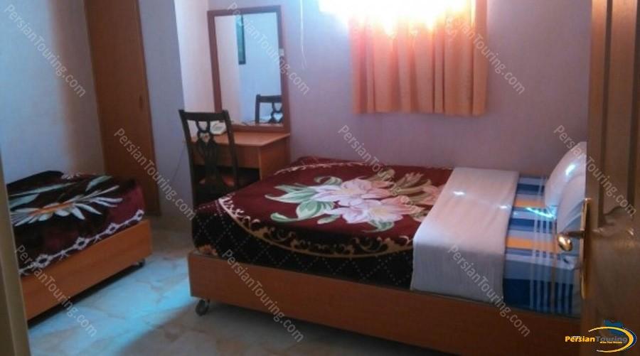 ghasr-hotel-isfahan-triple-room-2