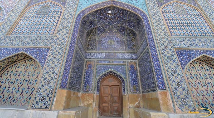 haroon-velayat-mausoleum-1