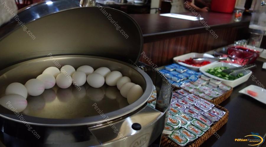 iran-hotel-isfahan-breakfast