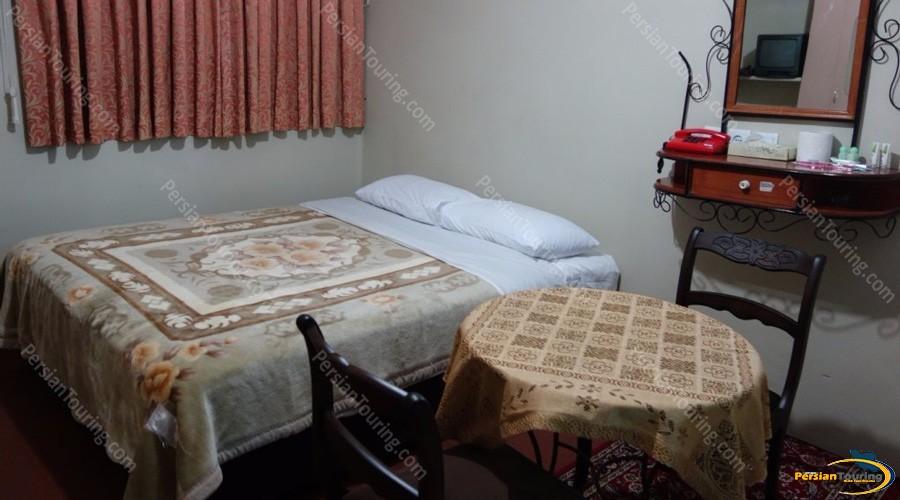 iran-hotel-isfahan-double-room-1
