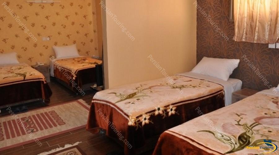 jamshid-hotel-isfahan-quadruple-room-1