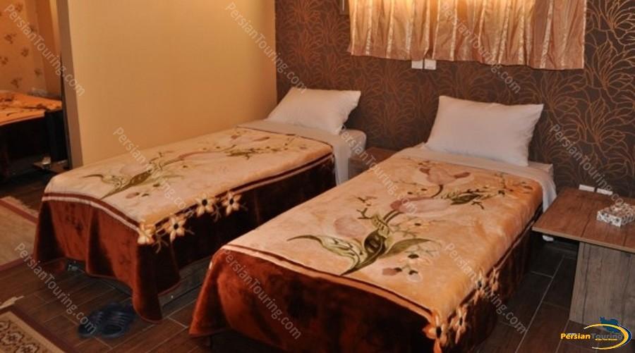 jamshid-hotel-isfahan-twin-room-2