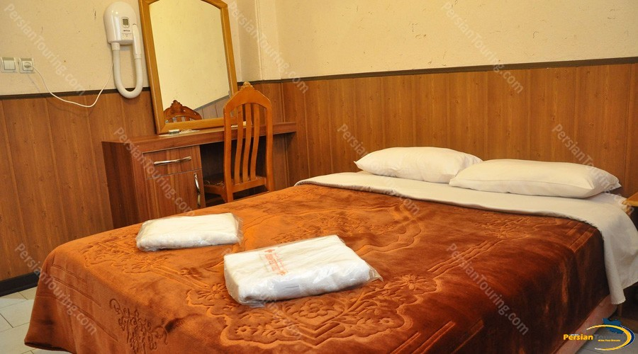 jey-negin-hotel-isfahan-double-room-1