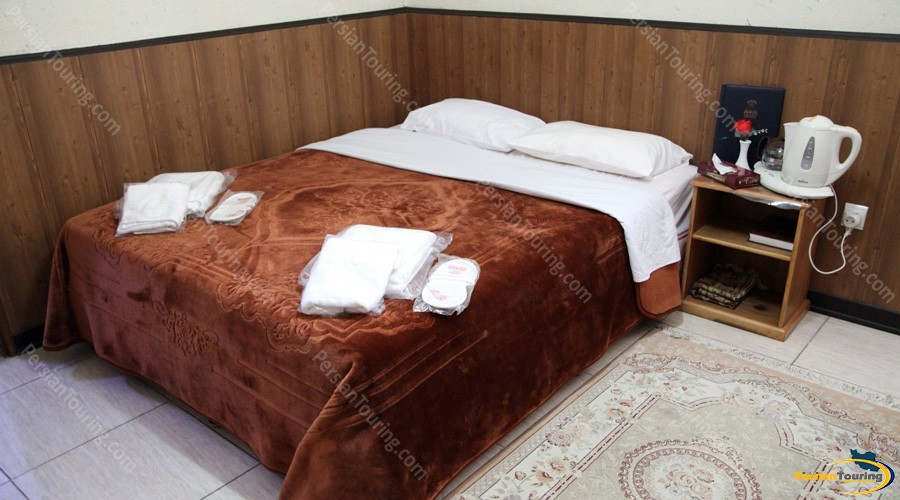 jey-negin-hotel-isfahan-double-room-2