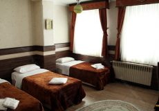 jey-negin-hotel-isfahan-triple-room-1