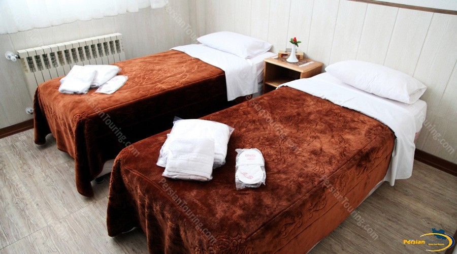 jey-negin-hotel-isfahan-twin-room-3